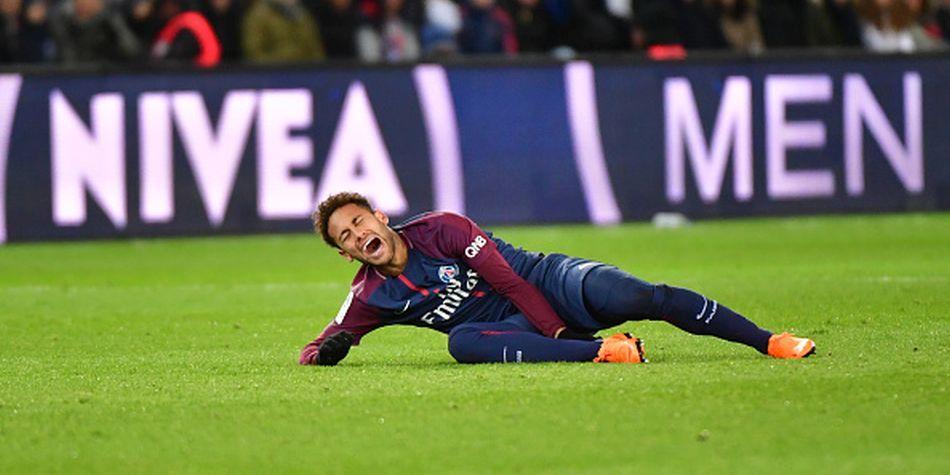 Neymar se lesiona del pie