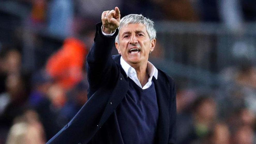 Quique Setién dando indicaciones | Imagen via Marca.com
