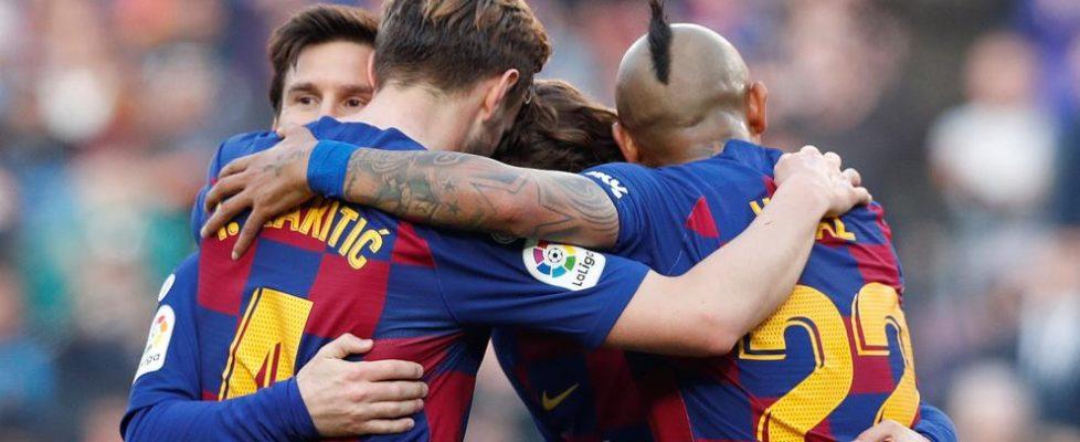 El FC Barcelona se lleva los tres puntos ante el Éibar.