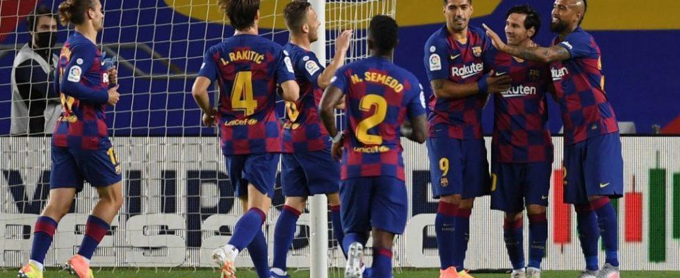 Messi celebra el 2-0 con sus compañeros | Fuente: @forca_fcb