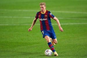 De Jong frente al Villarreal. Fuente: Getty Images