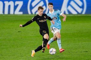 De Jong ante el Celta de Vigo. Fuente: Getty Images.