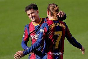 Coutinho y Griezmann se abrazan tras marcar gol. Fuente: Getty Images