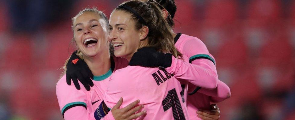 Martens, Alexia y Jenni celebran el gol. Fuente: Getty images