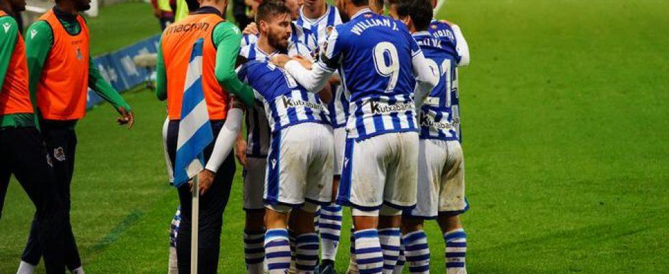 los_jugadores_de_la_real_celebran_un_gol_esta_temporada_foto_rso_001