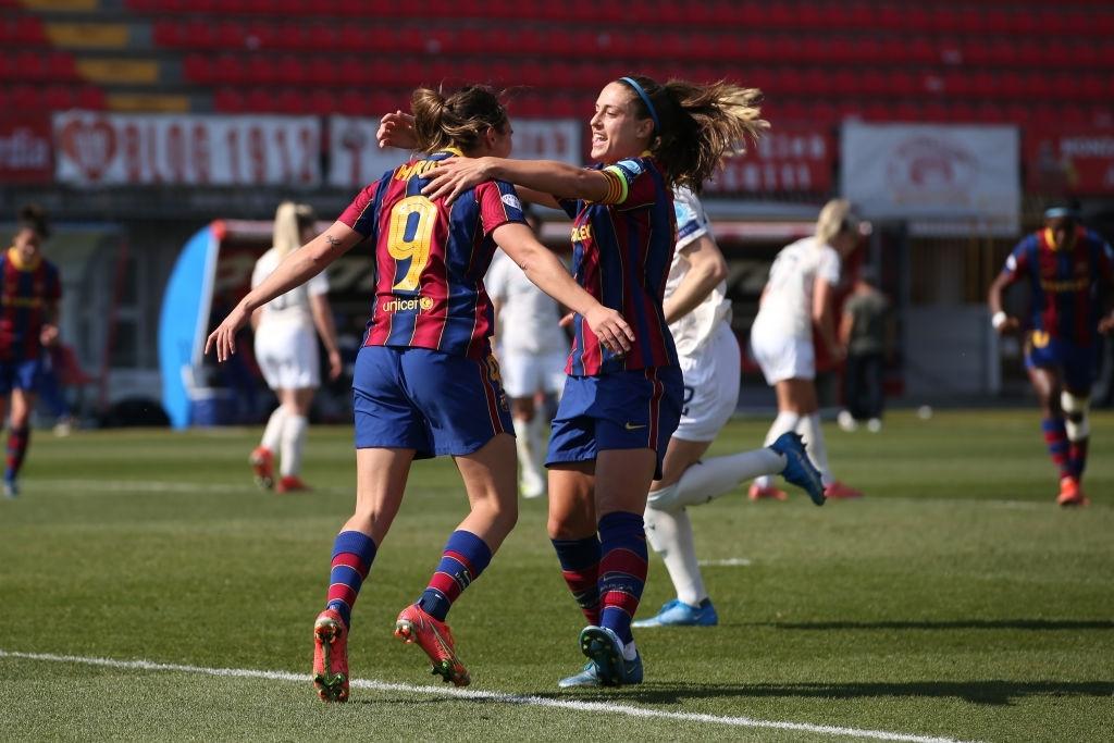 Alexia y Mariona celebran el segundo gol contra el City. Fuente: Getty Images