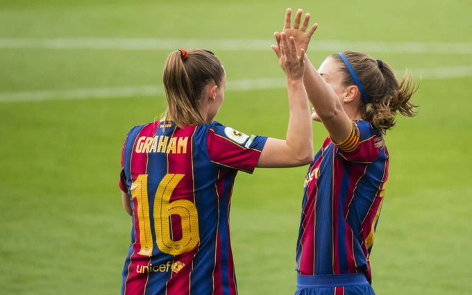Hansen y Alexia celebran el primer tanto del partido. Fuente: FC Barcelona