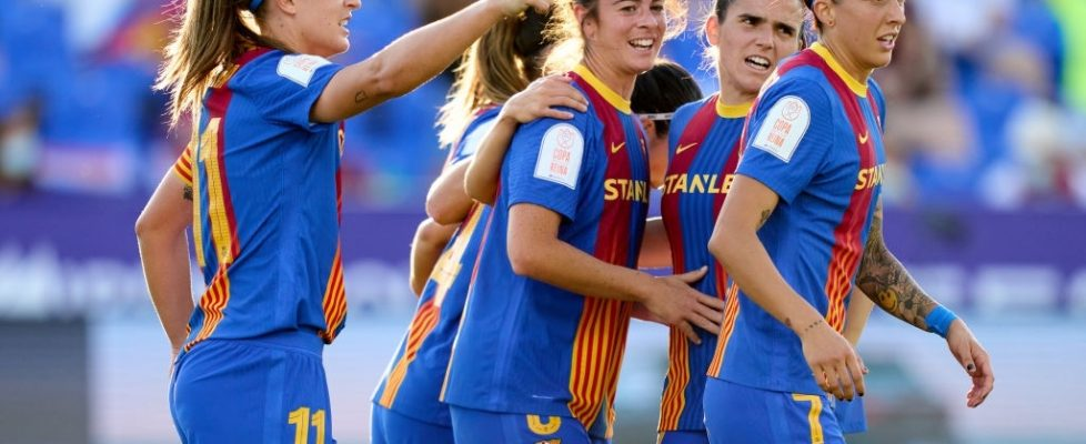 Marta Torrejón marca gol de cabeza. Fuente: Getty Images