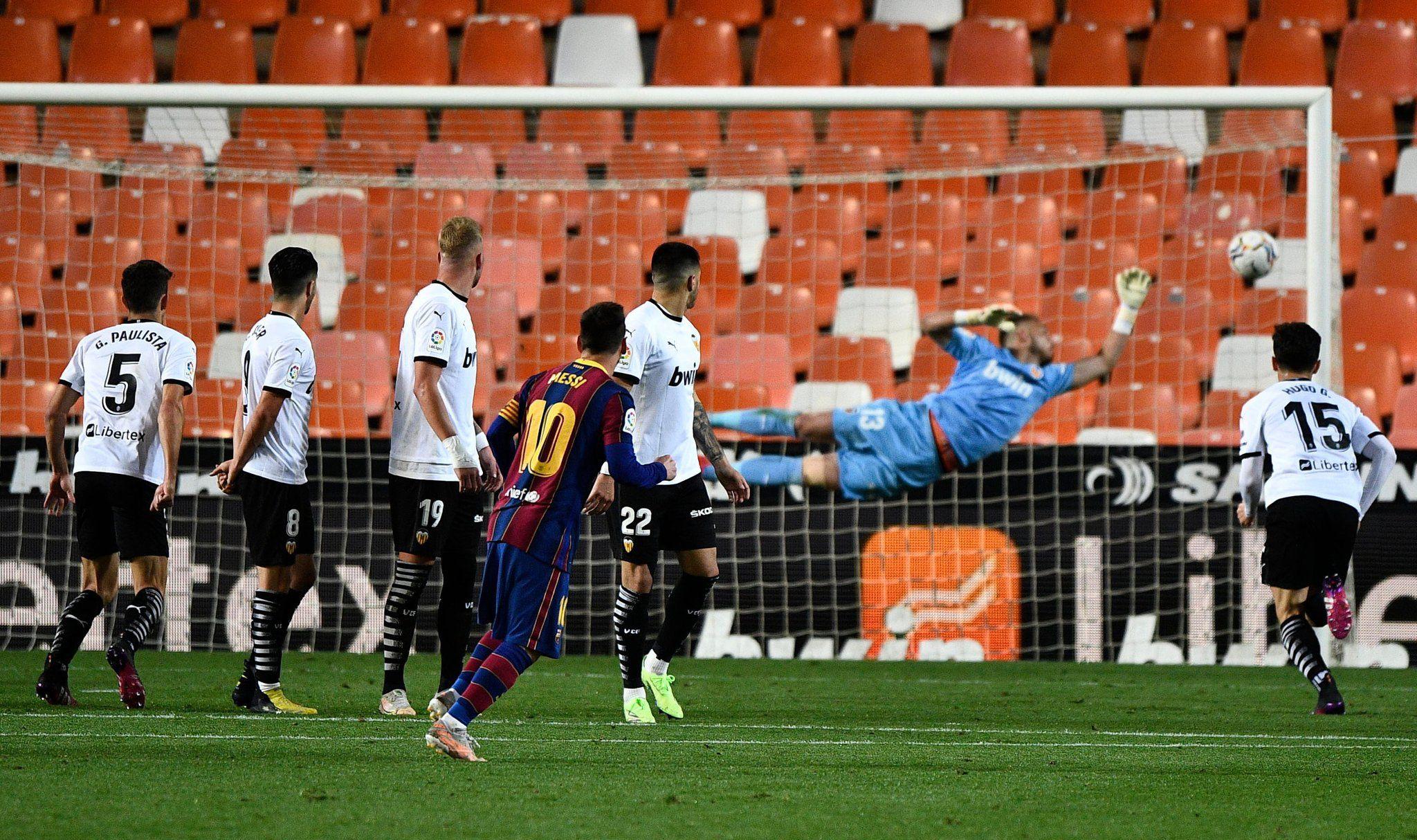 La falta de Messi, imparable para Cillessen